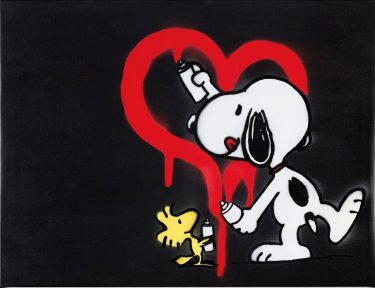 Symble snoopy showing love